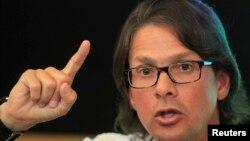 Lorenzo Mendoza, presidente de Empresas Polar, negó que estuvieran produciendo menos con la intención de acaparar alimentos, como lo insinuó el presidente de Venezuela.
