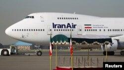 """Boing 747 iranske kompanije """"Iran Er"""" na aerodromu u Teheranu (arhivski snimak)"""