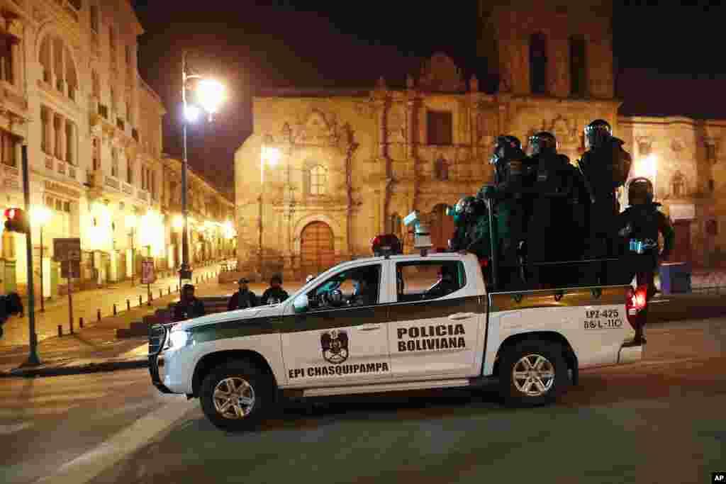El país pasó de un ambiente de celebración por la renuncia de EvoMorales, a otro de incertidumbre desde la noche del domingo 10 de noviembre de 2019.