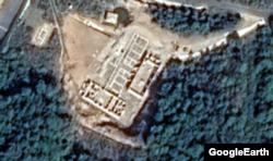 동창리 미사일 발사장을 찍은 2일자 위성사진. 건물들이 들어서고 있다. 구글 어스 이미지.