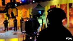 La televisora cesó sus transmisiones en señal abierta luego que el gobierno le retiró la licencia.