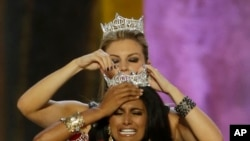 First Indian-American Winner of Miss America Crown
