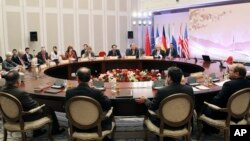 26일 카자흐스탄에서 이란과 유엔 안보리 5개 상임이사국, 독일이 핵 문제 해결을 위한 협상을 재개했다.