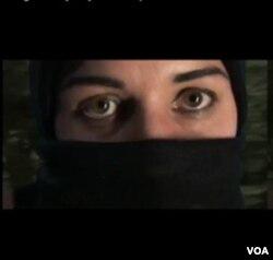 Film Roghieh' karya Alysse Stepanian dibuat berdasarkan pengalamannya selama Revolusi Iran tahun 1979.