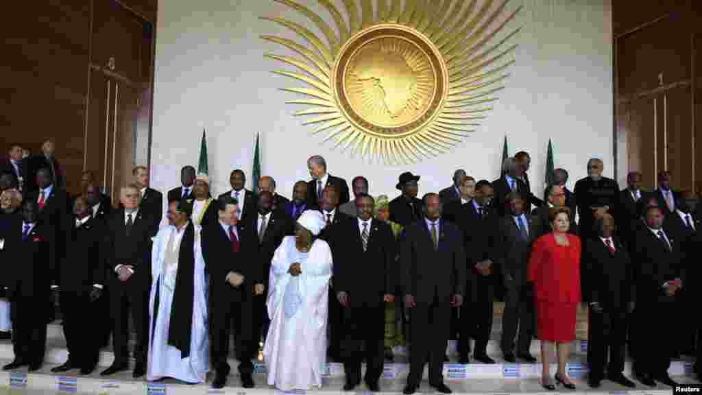 African leaders get ready to pose for a group photograph at the African Union (AU) summitin Addis Ababa, Ethiopia, on May 25, 2013, at which the 50th anniversary of the founding of the AU's predecessor, the Organization of African Union (OAU) was celebrated and elusive peace in the Sudans was a talking point.