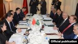 PM Pakistan Muhammad Nawaz Sharif dan Presiden China Xi Jinping di Islamabad, 20 April 2015 (Foto: dok).