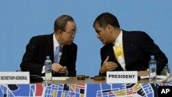El secretario general de la ONU, Ban Ki-moon, y el presidente de Ecuador, Rafael Correa, durante la inauguración de la conferencia Habitat III en Quito. Octubre 17 de 2016.
