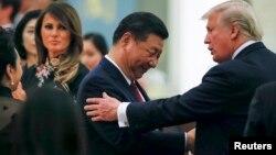 Le président américain Donald Trump et son homologue chinois Xi Jinping, à Pékin, le 9 novembre 2017.