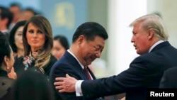 川普2017年11月在北京會見習近平(路透社)