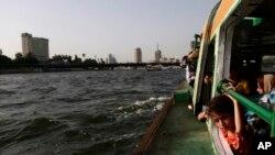 Các giới chức Ai Cập lo ngại về việc xây dựng con đập được gọi là Con đập Phục Hưng Ethiopia sẽ đe dọa tới nguồn tiếp tế nước của họ.