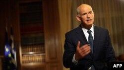 Papandreu: Nuk do të jap dorëheqjen, do të anuloj planet e referendumit