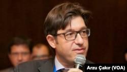 Türk-Fransız Ticaret Odası Başkanı, ekonomist Selçuk Önder