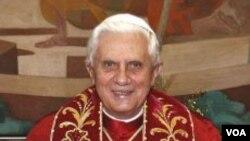 Paus Benediktus XVI didesak untuk menindak-tegas kasus pelecehan seksual di lingkungan gereja Katolik.