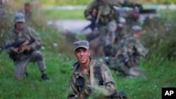 Pasukan Rusia dalam sebuah latihan militer (foto: ilustrasi).
