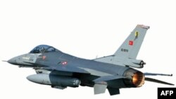 Истребитель-бомбардировщик F-16 ВВС Турции
