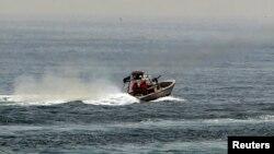 عکسی از یکی از قایق های تندروی ایران در خلیج فارس