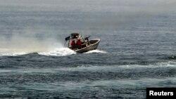 ایران بارها از قایق های تندرو برای تهدید کشتی های خارجی در آبهای آزاد خلیج فارس استفاده کرده است.