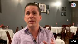 """El venezolano Alfredo Nieto, uno de los hermanos fundadores del restaurante """"Red Carpet"""""""