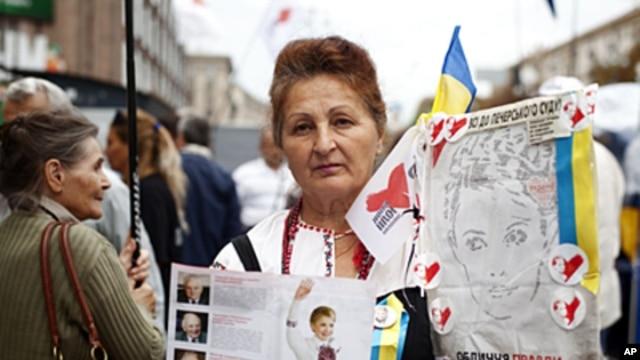 Ludmila Aleksandrovna, 62, a Yulia Tymoshenko supporter protests in Kyiv, August 15, 2011