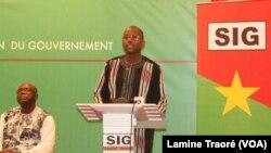 Stanislas Ouaro, ministre de l'Education, Ouagadougou, le 7 février 2020. (VOA/Lamine Traoré)