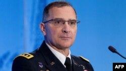 Командующий силами США в Европе генерал Кертис Скапаротти (архивное фото)