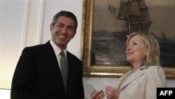 Ставрос Ламбринидис и Хиллари Клинтон. Афины. 16 июля 2011 года