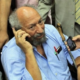 Egyptian-American academic, political opposition and human rights activist Saad Eddin Ibrahim, arrives at Cairo airpor, 04 Aug 2010, despite an outstanding prison sentence against him for defaming Egypt and spending three years in exile