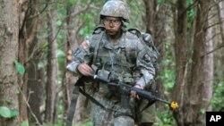 Капитан Сара Родригес, 101-ая Воздушно-десантная дивизия. Архивное фото 2012г.