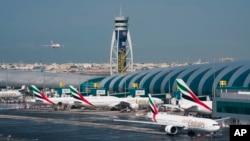 Bandara Internasional Dubai, Kamis (23/1) mengumumkan akan melakukan melakukan pemeriksaan terhadap rombongan turis China yang berpergian pada saat liburan Imlek. (Foto: dok).