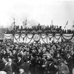 A crowd gathering for the Woodrow Wilson's inauguration parade in 1913