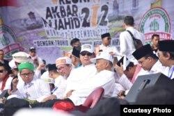 Sejumlah tokoh hadir dalam Reuni Persaudaraan 212 termasuk calon presiden Prabowo Subianto, Gubernur DKI Jakarta Anies Baswedan dan Mantan Ketua Umum PAN Amien Rais. (Foto Courtesy)