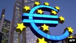 Đồng euro đã bị mất giá trong lúc một số nền kinh tế của châu Âu bị suy sụp