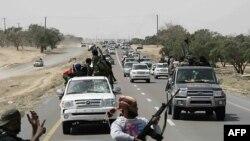 Лівійські повстанці розраховують на свій ентузіазм більше ніж на вишкіл