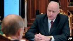 Chủ tịch Uỷ ban Điều tra LB Nga ông Alexander Bastrykin trong một cuộc trao đổi với Tổng thống Nga Vladimir Putin.