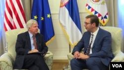Predsjednik Srbije Aleksandar Vučić i ambasador SAD u Srbiji Kyle Scott