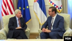 Predsednik Srbije Aleksandar Vučić i ambasador SAD u Srbiji Kajl Skot
