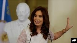 Junto con Fernández fueron citados a declarar el exministro de Economía Axel Kicillof y el expresidente del Banco Central Alejandro Vanolli.