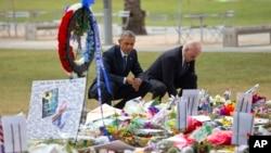 Barack Obama et Joe Biden à Orlando, en Floride, le 16 juin 2016. (AP Photo/Pablo Martinez Monsivais)