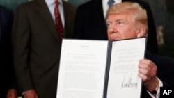 Presiden AS Donald Trump Senin (14/8) memerintahkan kantor perdagangan ASuntuk menyelidiki apakah China mencuri kekayaan intelektual Amerika.