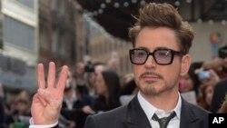 Aktor AS Robert Downey Jr tiba dalam pemutaran perdana Iron Man 3 di London. (Foto: Dok)