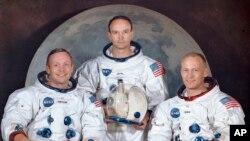 "S lijeva na desno: Neil Armstrong (komandant), Michael Collins (pilot), Edwin E. ""Buzz"" Aldrin (pilot). 30. Mart 1969. (Foto: NASA via AP)"