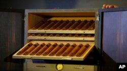 Salud: Fumar pipa o cigarro también causa cáncer y muerte prematura.