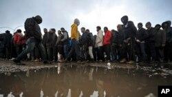 کیمپ میں موجود اکثر افراد کروشیا کے راستے یورپ جانے کے خواہش مند ہیں