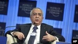 ນາຍົກລັດຖະມຸນຕີ Salam Fayyad ແຫ່ງປາເລສໄຕນ໌ ກ່າວຕໍ່ກອງປະຊຸມເສດຖະກິດໂລກທີ່ນະຄອນ Davos, ວັນທີ 29 ມັງກອນ 2011