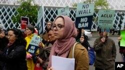 Une manifestation contre le décret migratoire à Seattle, le 15 mai 2017.
