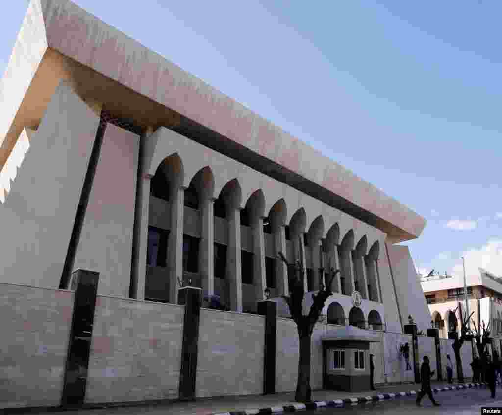 نمایی از ساختمان سفارت امارات متحده عربی در دمشق. امارات از زمان درگیری ها در سوریه سفارت خود را تعطیل کرده بود.