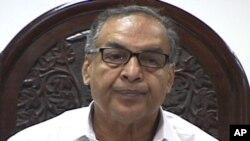 ທ່ານ Markhdoom Shahabuddin ລັດຖະມົນຕີອຸດສາຫະກໍາແຜ່ນແພຂອງປາກິສຖານ ທີ່ສະໝັກເປັນນາຍົກ ລັດຖະມົນຕີຂອງປະເທດ. ວັນທີ 21 ມິຖຸນາ 2012.