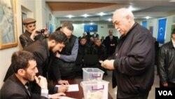 Müsavat Partiyasında xeyriyyə marafonu (Musavat.com saytı, Fərahim İlqaroğlu)