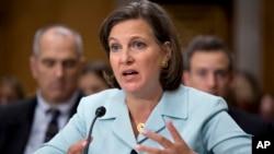 Juru bicara Deplu AS Victoria Nuland memberikan keterangan mengenai situasi di Ukraina di depan anggota Kongres AS, Rabu (9/4).