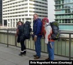 Evia Nugrahani Koos bersama keluarga. (Foto: Evia Nugrahani Koos)